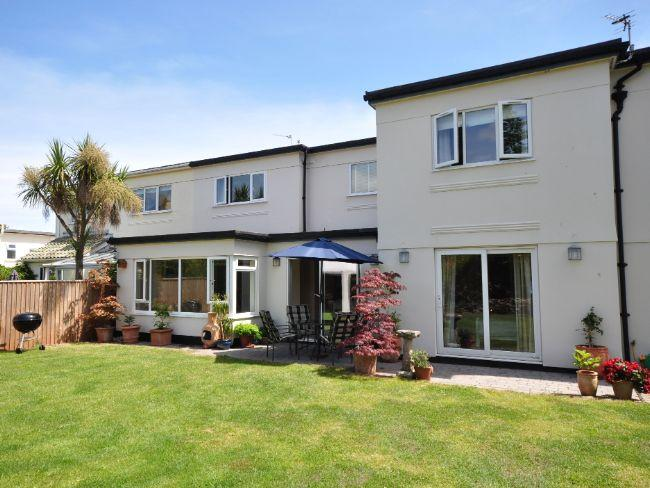 View across lawn to property - PAIGN - Paignton - rentals