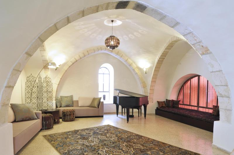 Spectacular 600-year-old architecture - The Rova Arches Suite — Luxury Meets History in the Old City - Jerusalem - rentals