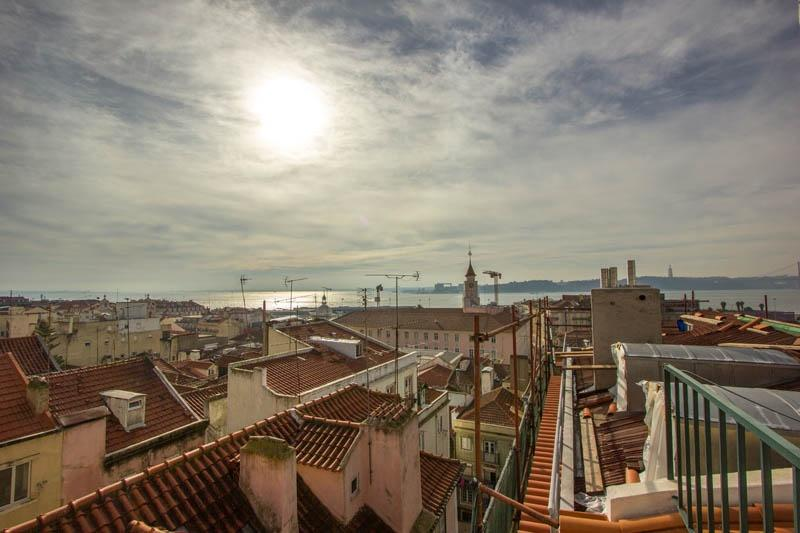 Apartment in Lisbon 242 - Bica/Bairro Alto - managed by travelingtolisbon - Image 1 - Lisbon - rentals