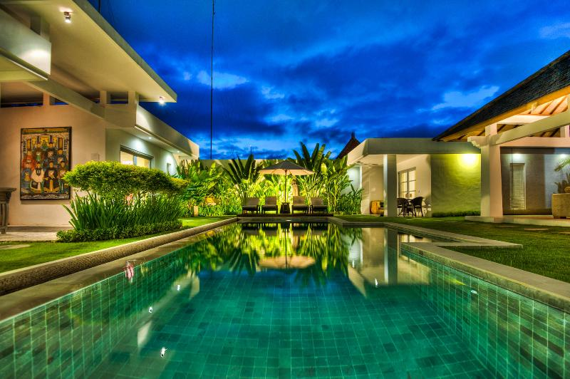 zara at night - Totally Awesome 4 Bdrm/4Bath Villa / Seminyak,Bali - Seminyak - rentals