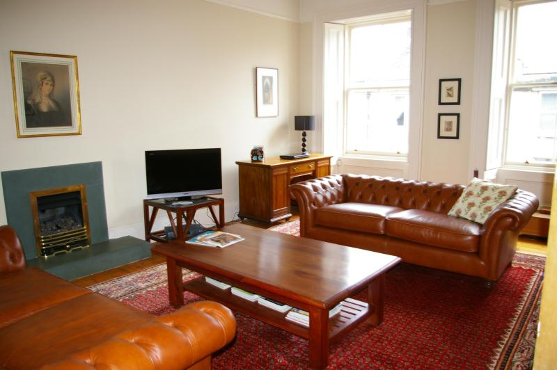 Relax in our spacious and stylish lounge - The Ross Residence, Edinburgh - Edinburgh - rentals