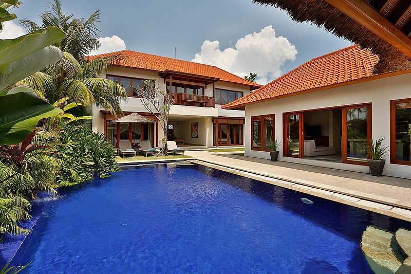 Gorgeous pool view - CANGGU  4 BR. AMORE VILLAS | 5 STAR LUXURY | LOCATION!! - Bali - rentals