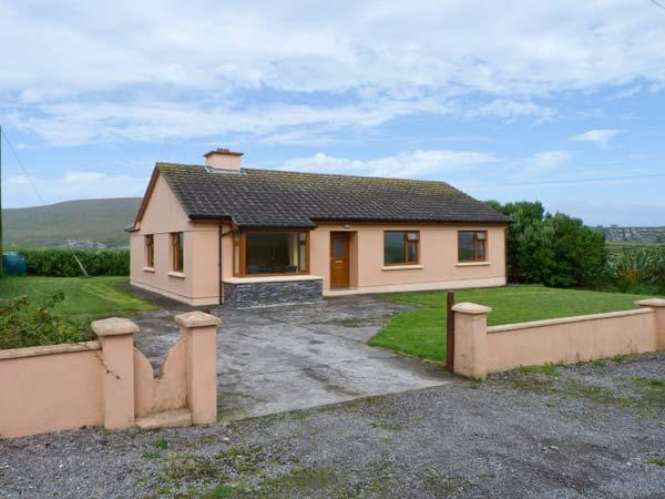 REENCAHERAGH, detached bungalow, with open fire, en-suite bedrooms, garden, and parking, in Portmagee, Ref 17957 - Image 1 - Portmagee - rentals