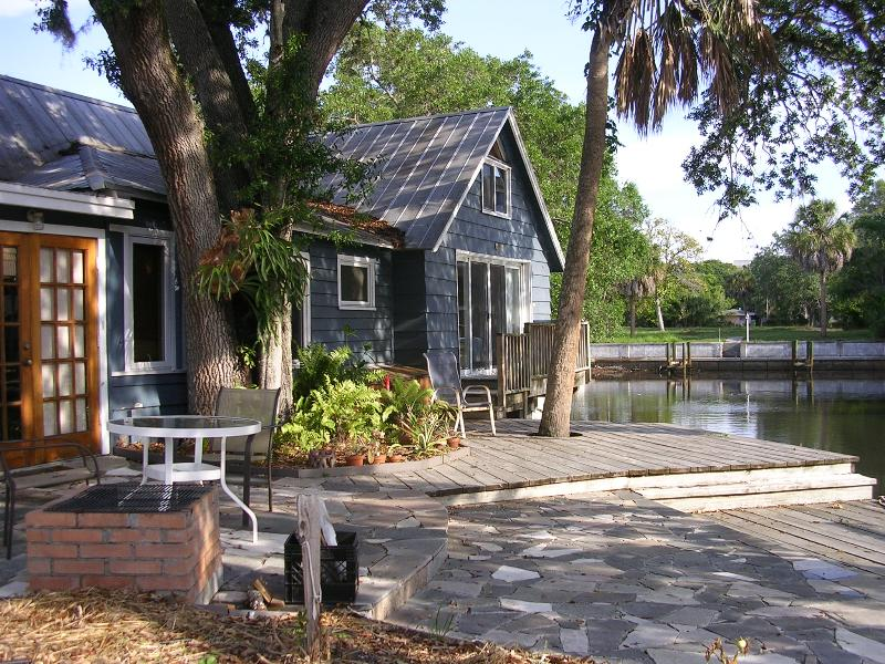 Waterfront Patio - Waterfront Downtown Sarasota Vintage Home - Sarasota - rentals