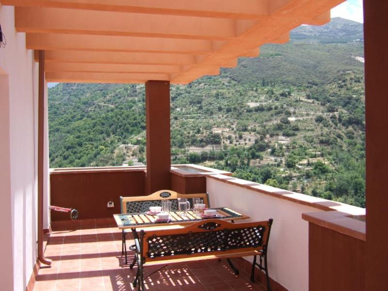 Stunning wraparound views from the terrace - Penthouse-Stunning views, ideal Granada/S Nevada - Granada - rentals