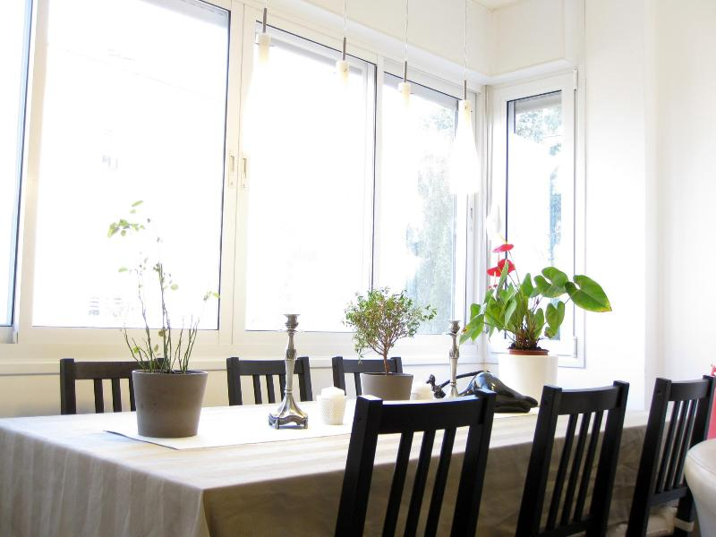 Dining table, Living room - Trendy and Luxurious Apartment in Jerusalem - Jerusalem - rentals