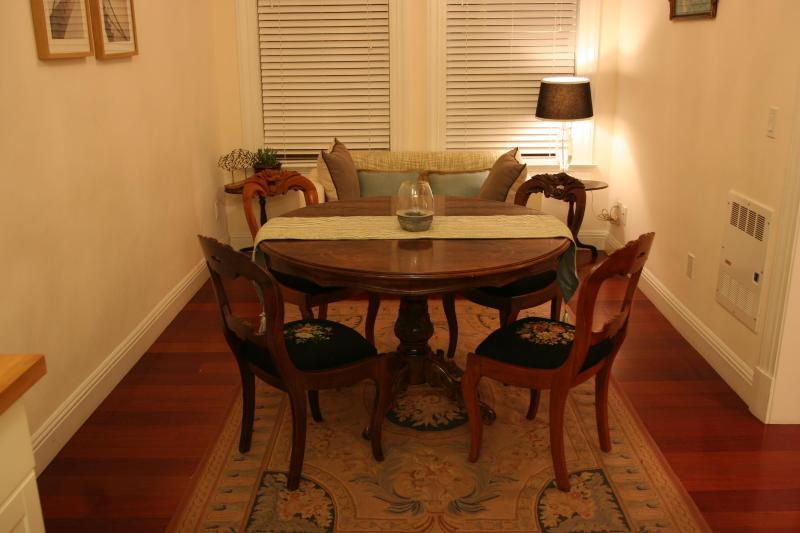 dining area - Home-Like Nob Hill Apt Near Union Sq & Cable Cars - San Francisco - rentals