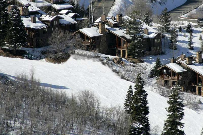 Really Ski-In Ski-Out, the picture shows it all. Deer Valley is your back yard. - Fabulous Ski-in Ski-Out 4BR Deer Valley-Grand View - Deer Valley - rentals