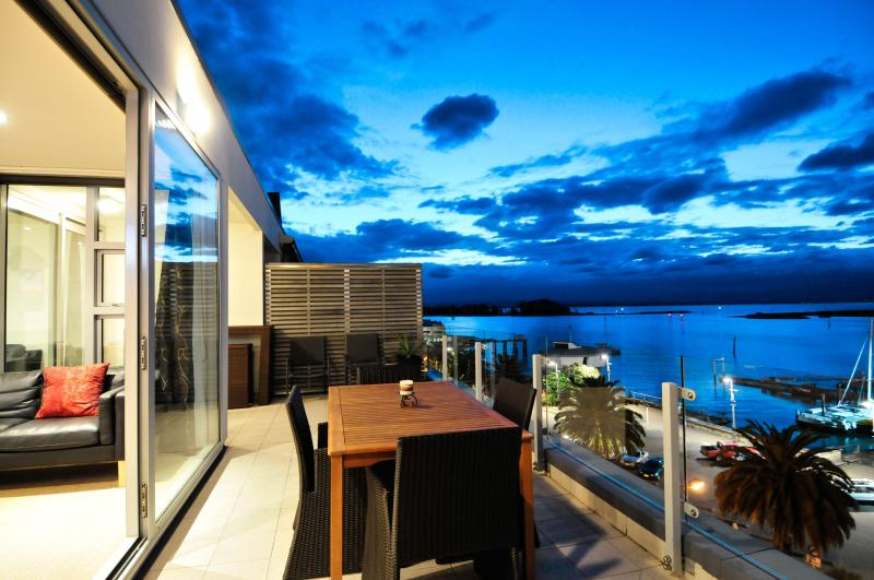 Sea Eagle - Nelson Waterfront Penthouse - Image 1 - Nelson - rentals