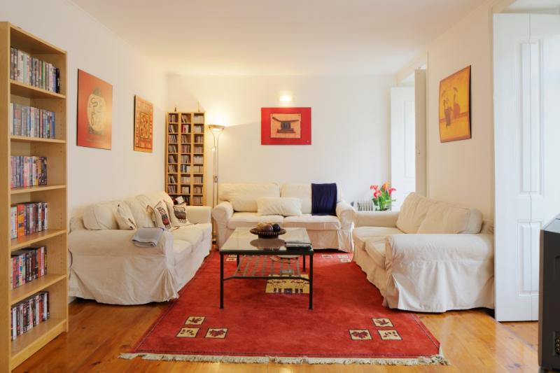 Apartment in Lisbon 241 - Baixa - managed by travelingtolisbon - Image 1 - Lisbon - rentals