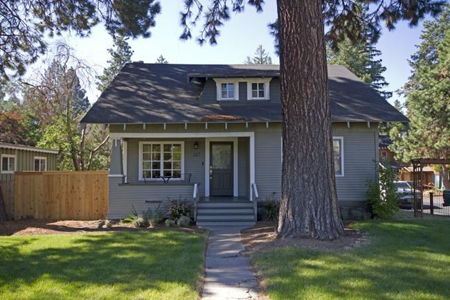 Newport Cottage, 1.5 Blocks to Downtown, River - Pet Friendly, Hot Tub - Close to River Trail, Downtown - Bend - rentals