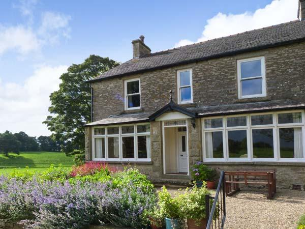 BROWNBER HOUSE, stone-built cottage, woodburning stove, spacious garden, in Newbiggin-on-Lune, Ref 16589 - Image 1 - Newbiggin-on-Lune - rentals
