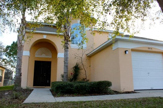 front of the house - Disney golf front pool home 4br 3 ba sleeps 11-12 - Haines City - rentals