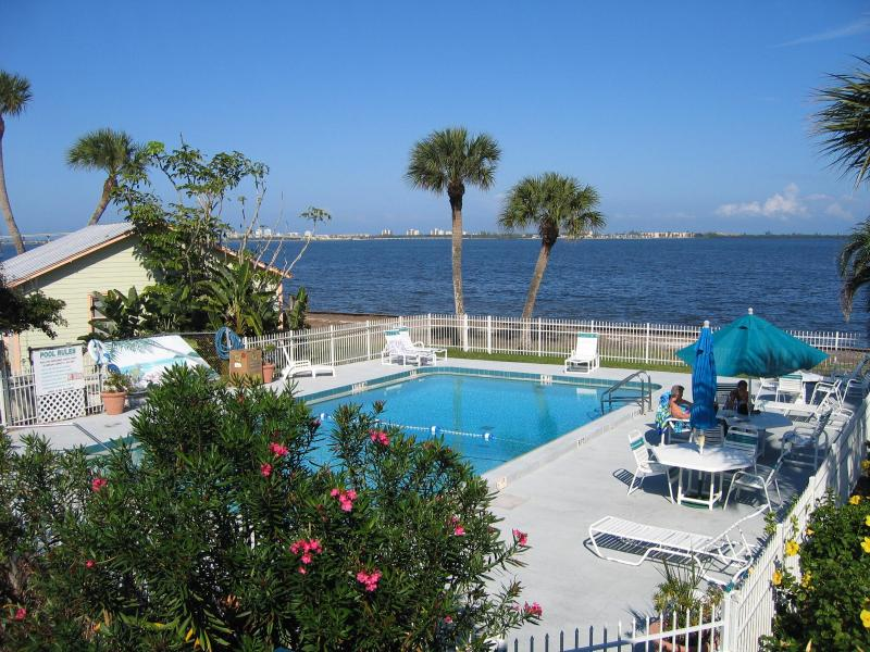 Pool - One Bedroom WATERFRONT SUITE - Jensen Beach - rentals