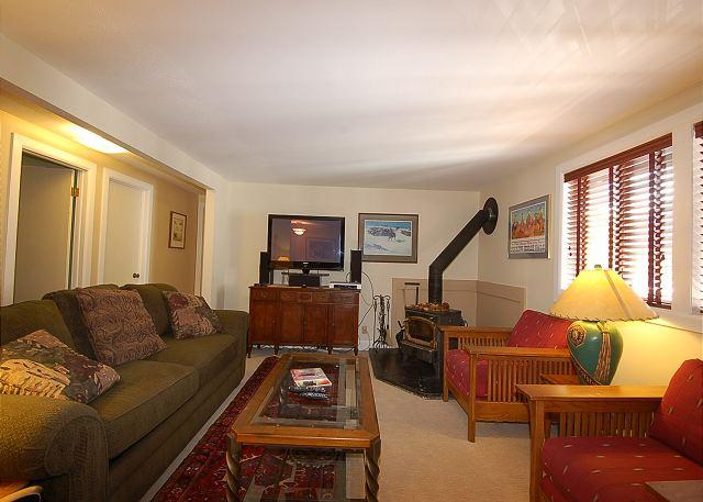 Gorgeous High End in Tensleep Building - Walk to slopes - Image 1 - Teton Village - rentals