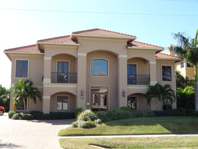 Front view of the house - Unique luxury and elegant 5/5 house - SPIN508 - Naples - rentals