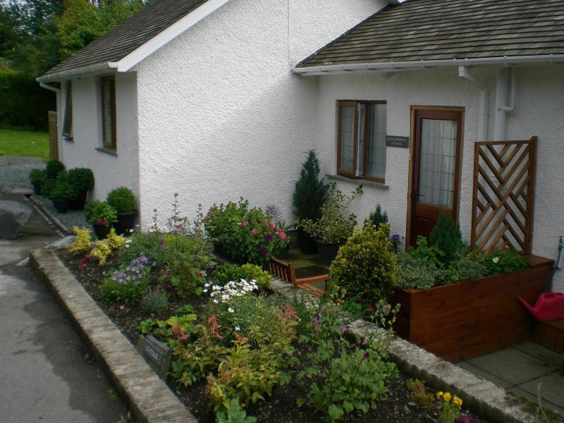 Front entrance - Little Esthwaite Cottage - Ambleside - rentals