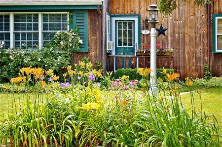 COUNTRY CAPE IN THE VILLAGE - EDG JBRE-06 - Image 1 - Edgartown - rentals