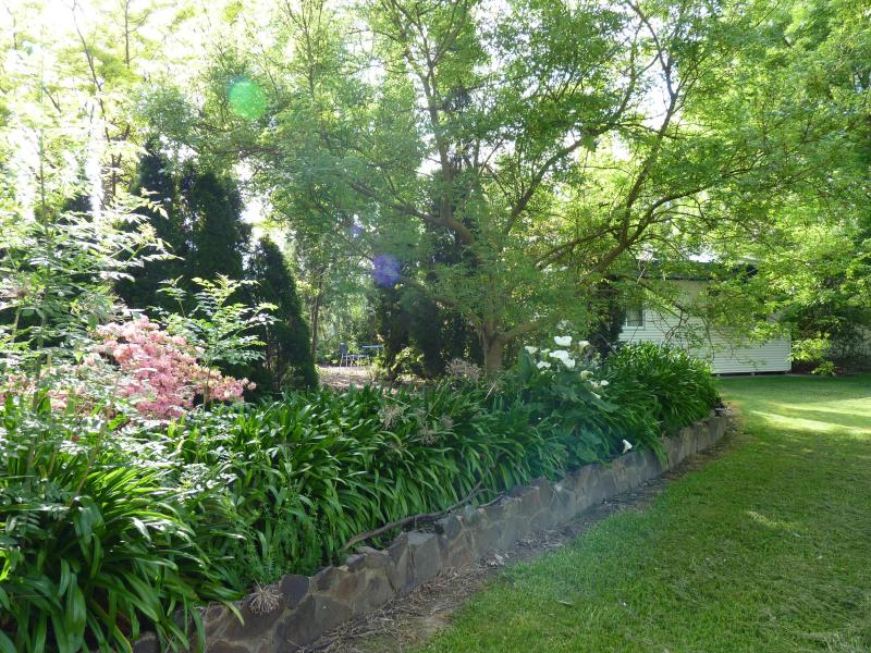 COTTAGE GARDENS - Pizzini Wines Vineyard Accommodation - Whitfield - rentals