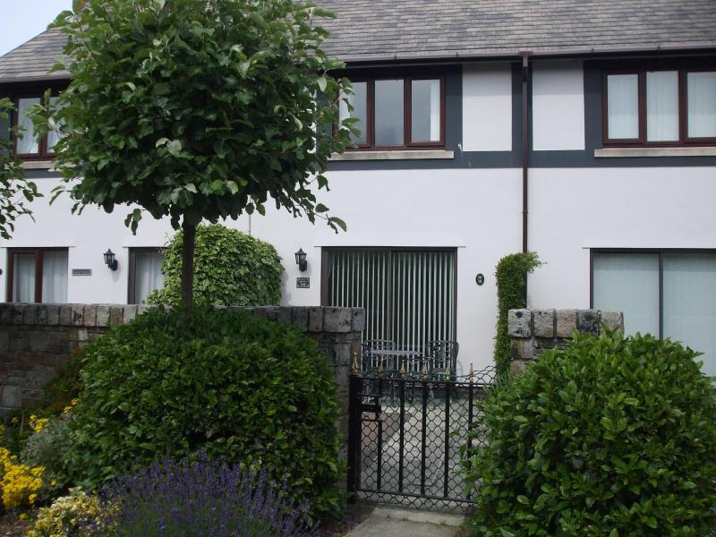 GOLF COTTAGE on Conwy Marina, North Wales - Image 1 - Conwy - rentals