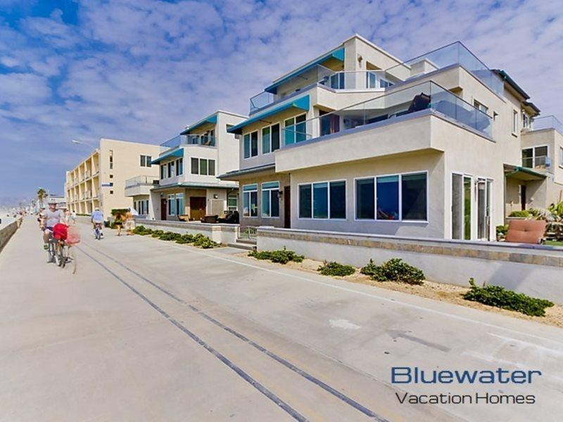 Oceanfront, ground floor on the Mission Beach boardwalk - Bluewater Ocean Front One South - San Diego - rentals