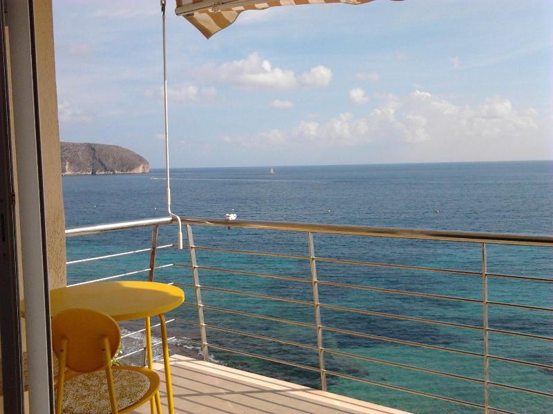 Terace front sea from the sitting room and master bedroom - Cozy 2 bedrooms apartment beach front - Moraira - rentals
