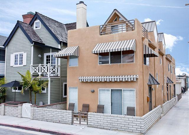 Relax at this Spanish Style Contemporary Condo! Rooftop Deck! (68309) - Image 1 - Newport Beach - rentals