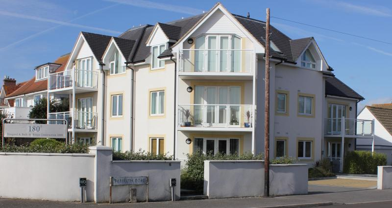 One80 Building - Apartment 1, One80 - 4-Star - Bournemouth - rentals