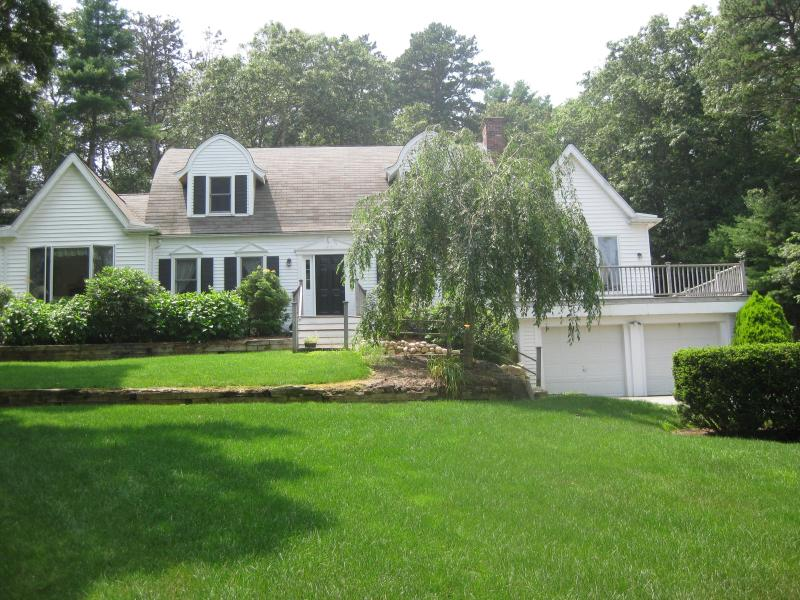 Property Front View - Cape Cod 4 Bdrm Home, 2+ Baths, Pool, Lake Access - Marstons Mills - rentals