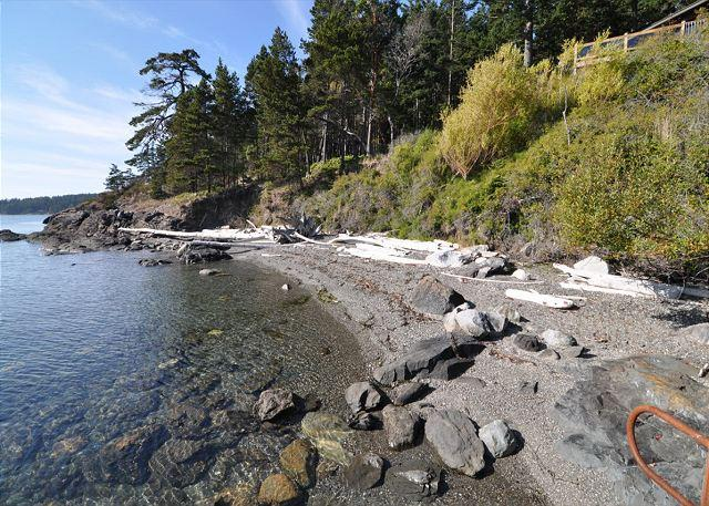 This beautiful private beach is the perfect picnic and sunbathing location! - Deer Point Paradise on Orcas Island - Olga - rentals