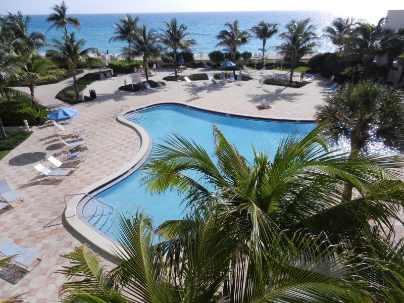 Second Heated Pool - Beautiful Penthouse on the beach, Fully Renovated - Hollywood - rentals