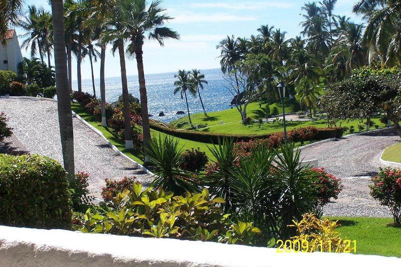 View from the patio out to the ocean - Vida Del Mar - Condo 160 - A Pacific Paradise - Manzanillo - rentals
