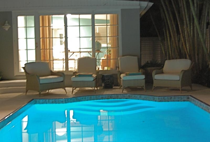 At night the pool takes on a beautiful aura - Stunning resort style home with salt water pool - West Palm Beach - rentals