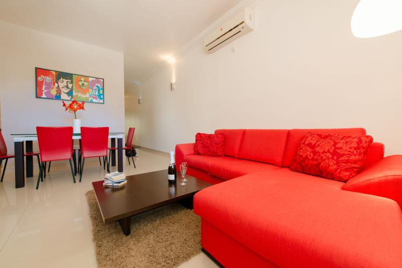 Modern, Comfortable & fully-equipped apartment - Image 1 - Saint Julian's - rentals