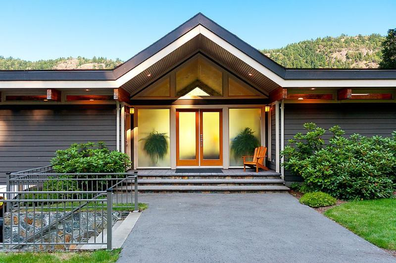 Main Entry - Tranquil Malahat Waterfront Retreat Awaits You - Victoria - rentals