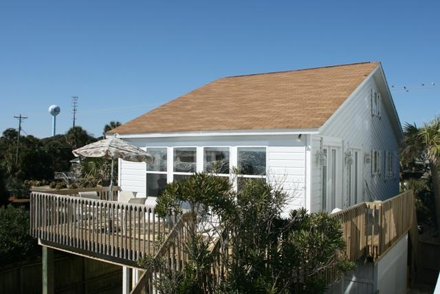 Charming beach front house - Front Beach Cottage - Coastal Charm  Pet Friendly! - Folly Beach - rentals