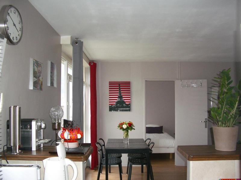 Cosy Paris flat fully equipped - Image 1 - 15th Arrondissement Vaugirard - rentals
