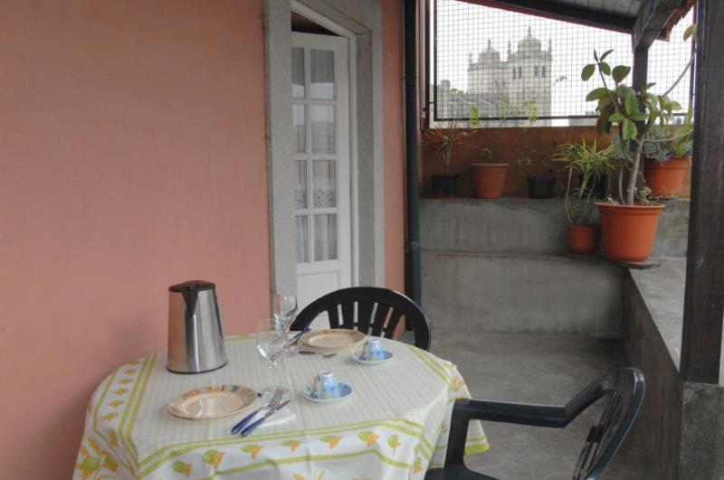 Apartment in Oporto 06 - managed by travelingtolisbon - Image 1 - Porto - rentals