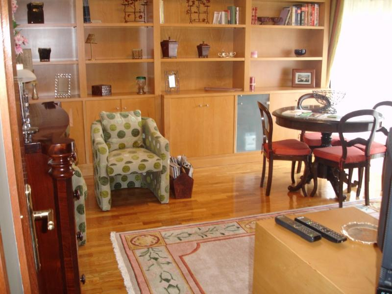 Apartment in Oporto 05 - managed by travelingtolisbon - Image 1 - Porto - rentals