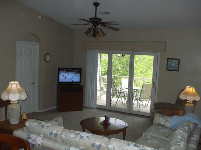 Living Room/Dining Room overlooks Park Setting and Ozark Mountains - $119/nt*By Strip*Newly Updated*Pools/Hot Tub*Golf - Branson - rentals