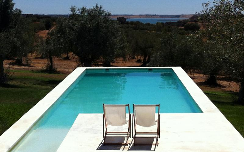 private country house Standing at Alqueva bay - Image 1 - Évora - rentals