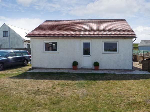 SEAHOLME, single storey pet-friendly cottage, garden, near Rye, Ref 18571 - Image 1 - Rye - rentals