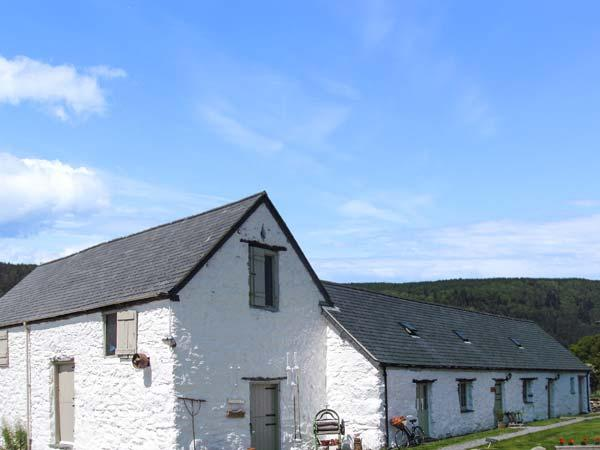 THE STABLES, pet friendly cottage, woodburner, garden, close to Betws-y-Coed, Ref 18630 - Image 1 - Betws-y-Coed - rentals