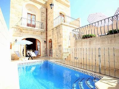 Railings near the pool for safety - Gorgeous  Private Jacuzzi  Pool AC Fully Equipped Free WIFI - Sanat - rentals