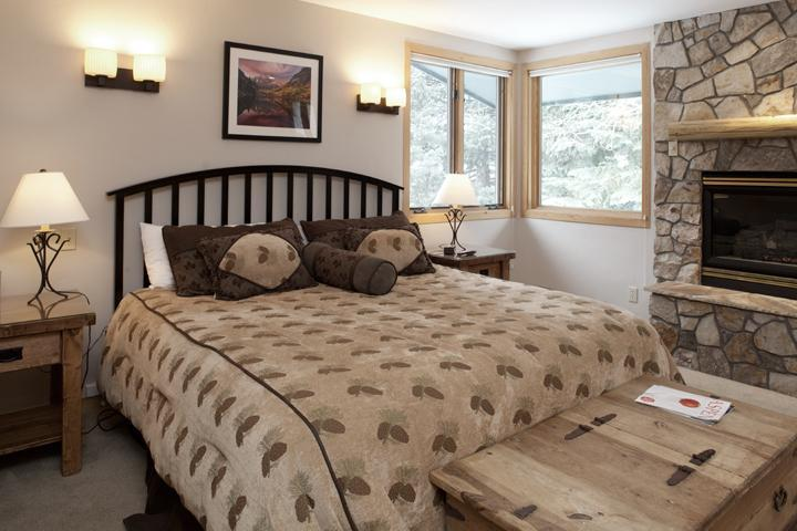 Tamarack Master Bedroom - 2 Bedroom Centrally Located Snowmass Condo - Snowmass - rentals
