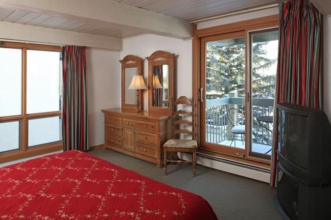 Top of the Village Bedroom - 4 bedroom condo in the heart of Snowmass - Snowmass - rentals