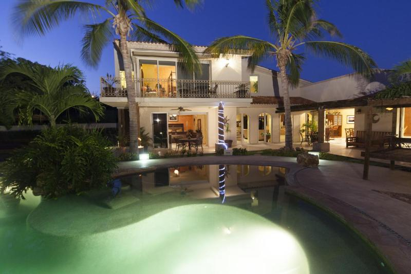 Enjoy the evenings at your VIlla - Luxurious Family Style Villa- Minutes from Cabo - Cabo San Lucas - rentals