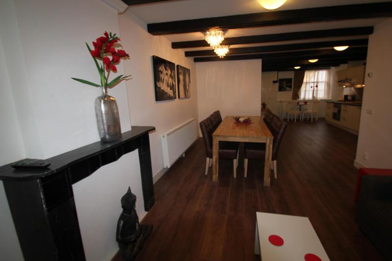 living/dining area - Spacious apartment 4 bedrooms in Central Amsterdam - Amsterdam - rentals