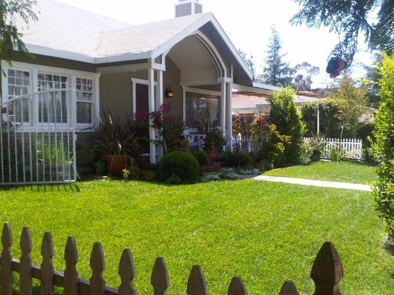 front view of main house - Charming Craftman Home in near Universal Studios - North Hollywood - rentals