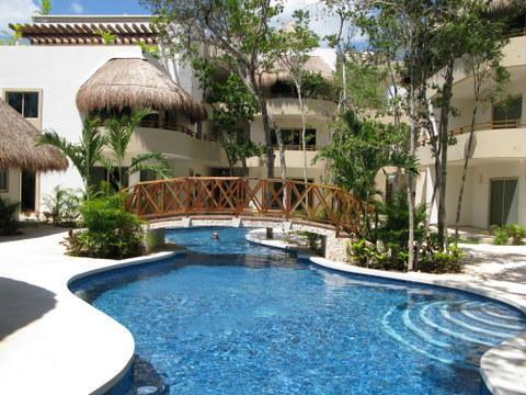 Probably the nicest pool in Tulum. Closest condos to the beaches. - Tulum Penthouse, 3 bedrooms, 3 bathrooms,  pool. - Tulum - rentals